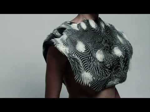 The 3D-printed dress that moves when you view it - BBC Click