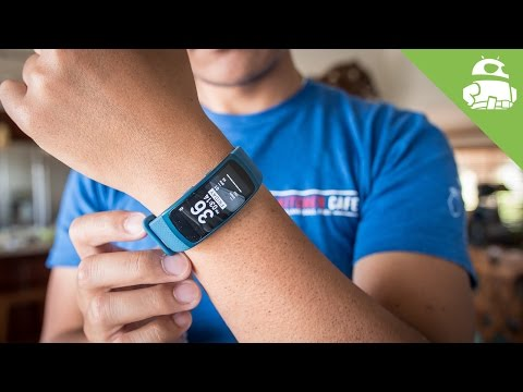 Can Samsung get fitness tracking right?   Gear Fit 2 Review!