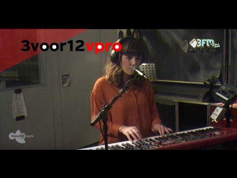 Oh Wonder live @ 3voor12 Radio + interview