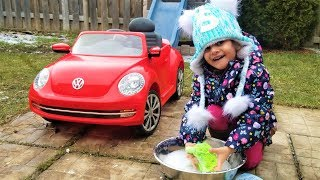 Sally drive and car wash power wheels ride on car video