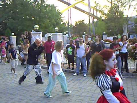 fright fest 2012 parade at six flags great adventure