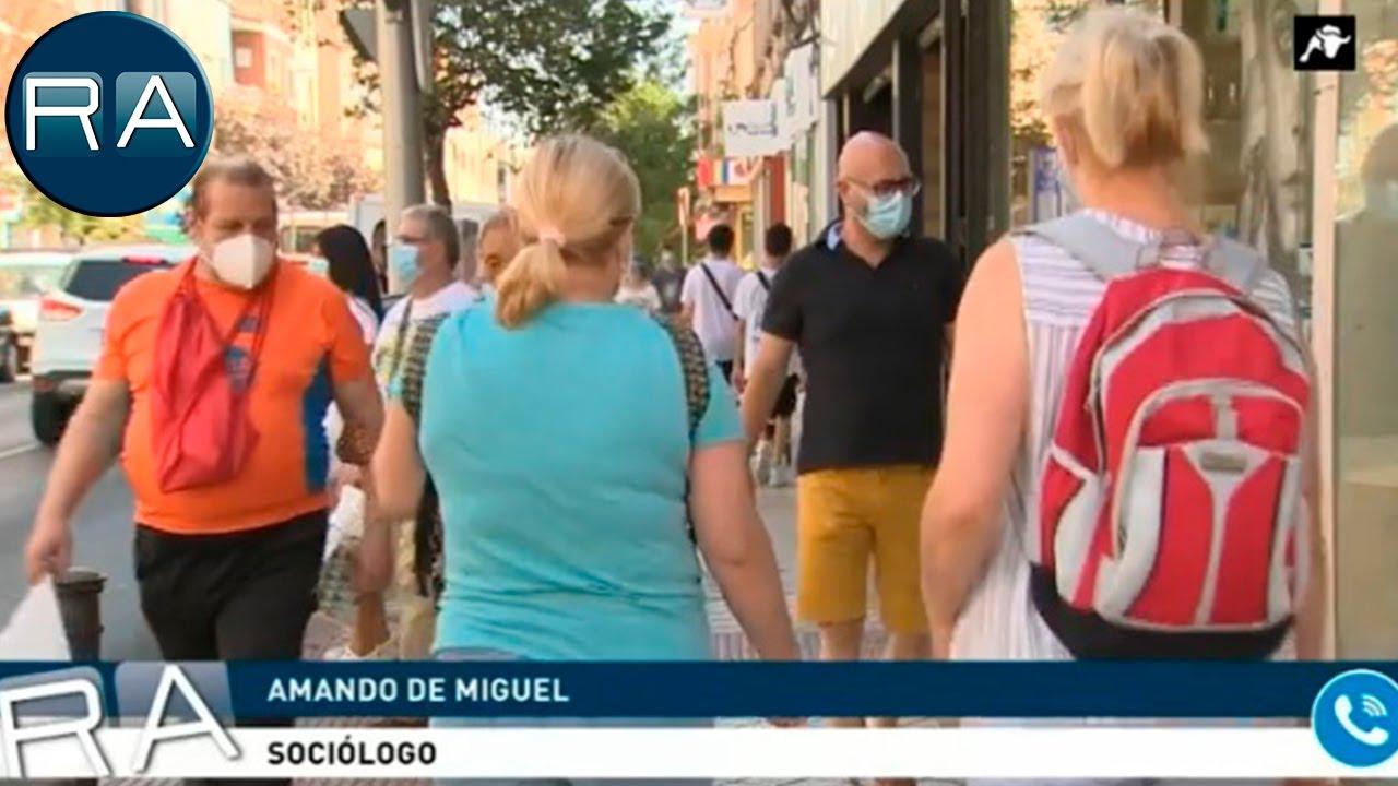 Amando de Miguel, sociólogo: 'La sociedad está dormida'