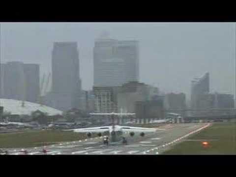 Haevy Landing in London City Airport