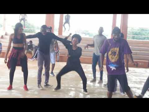 Afro house dance -  atelier de danse - By @FELLHIP STORM HERMANN