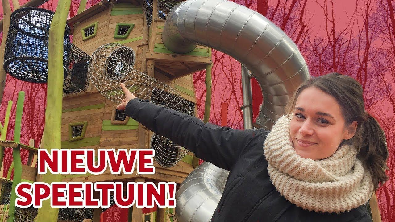 De glijbaan testen in de nieuwe speeltuin! 🙈