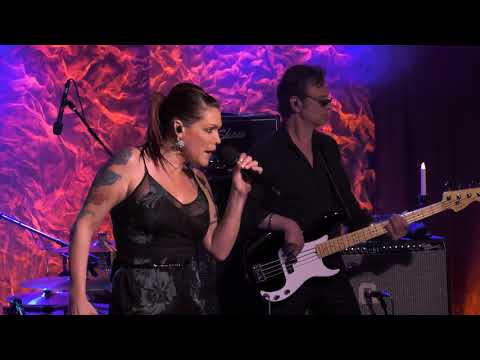Beth Hart - Delicious Surprise (Front and Center)