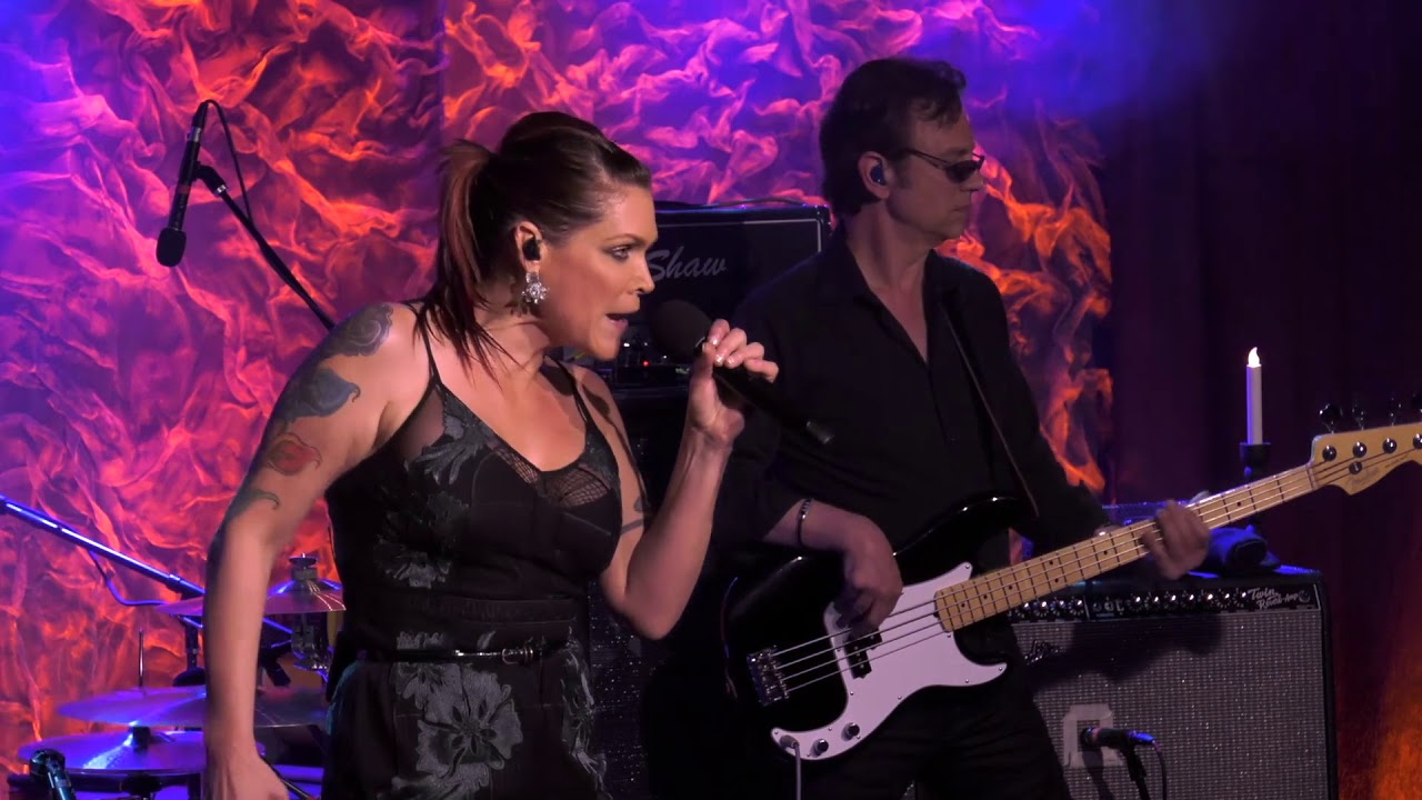 beth hart delicious surprise front and center youtube. Black Bedroom Furniture Sets. Home Design Ideas