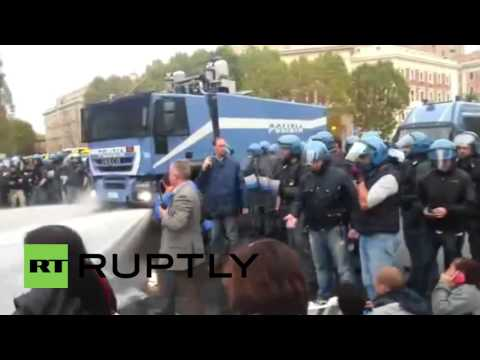 Italy: Police clash with protesters over Bologna building eviction