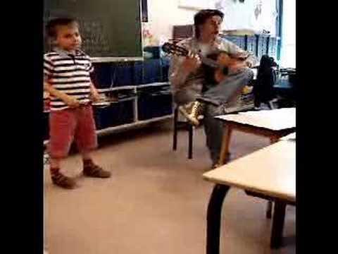Liedje aanleren stageschool De Heggerank groep 3 in juni 2007