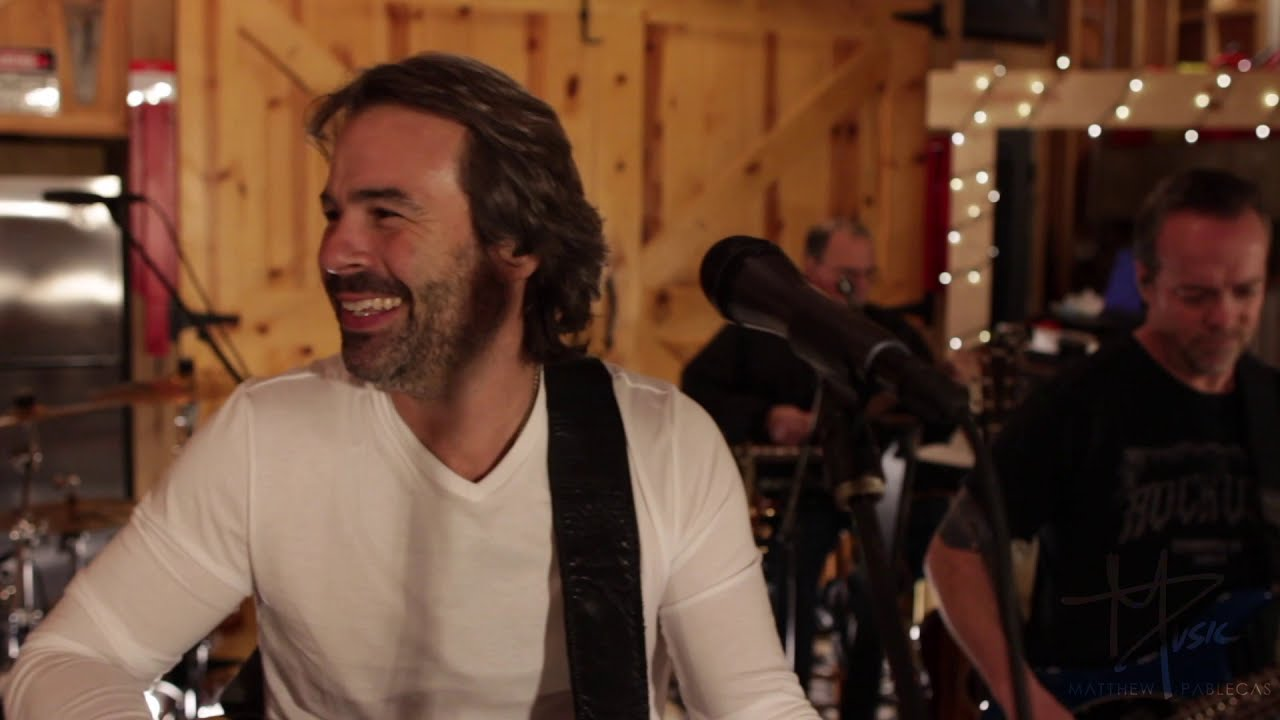 LIVE AT MATTS BARN - Session 1 - Maggie May - Rod Stewart Cover