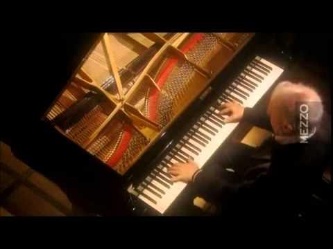 Beethoven Sonata N° 12   Daniel Barenboim