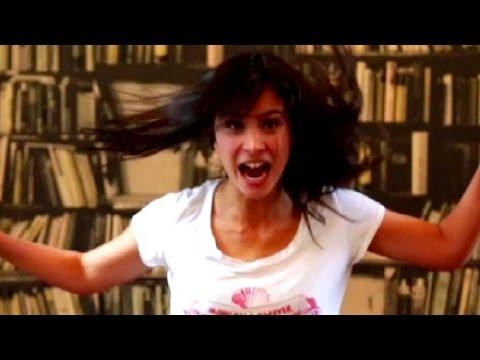 Aylin Tezel im Video: Sag es mit... Action!