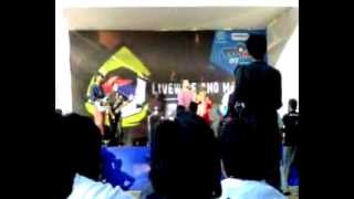 Oratus Indian Rock Band Livewire Mood Indigo IIT 2007 Song 4