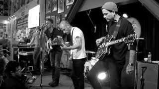 Cold War Kids - Miracle Mile (Live at Amoeba)