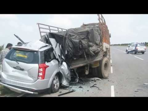 Latest Car Accident Of Mahindra Xuv500 In India Road Crash Youtube
