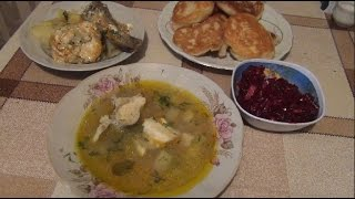 Идеи для обеда- хек тушеный с овощами,уха с хеком,пышные оладьи,салат из свеклы