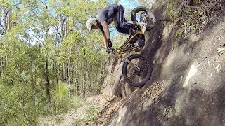 HOW TO RIDE STEEP DESCENTS & DROP OFFS ON A TRIALS BIKE thumbnail