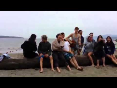 Sofia & the cast of Descendants at the beach singing