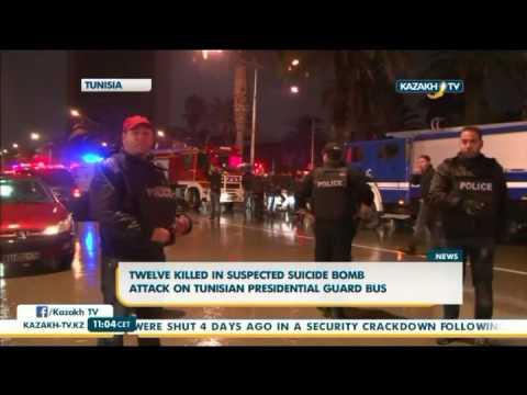 В Тунисе 12 человек погибли при нападении на охрану президента