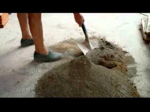 C mo hacer mortero manualmente en el suelo v deo n 56 for Mortero de cemento