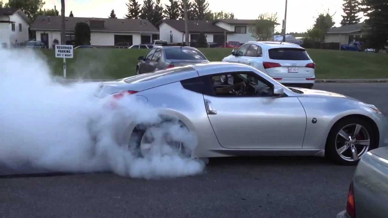 Nissan 370z burnout youtube vanachro Image collections