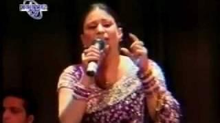 vuclip Mahi Aaway Ga Mein Phoolan Naal (Naseebo Lal) Live Song.flv