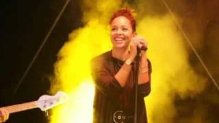 Joy Denalane - Niemand feat. Megaloh, Max Herre & Samy Deluxe (2011)