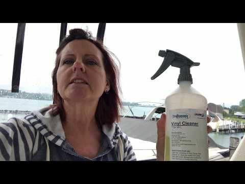 How to Clean the Seats on Your Boat