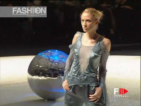 EMANUEL UNGARO Fall 2003 2004 Paris - Fashion Channel