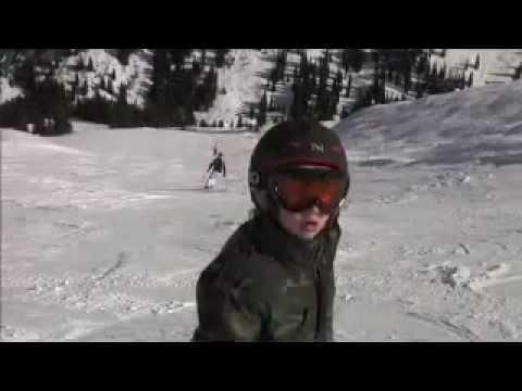 Trickski und Snowboardjumps von Tim van Dyck