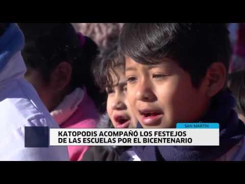 Festejos de las escuelas por el Bicentenario
