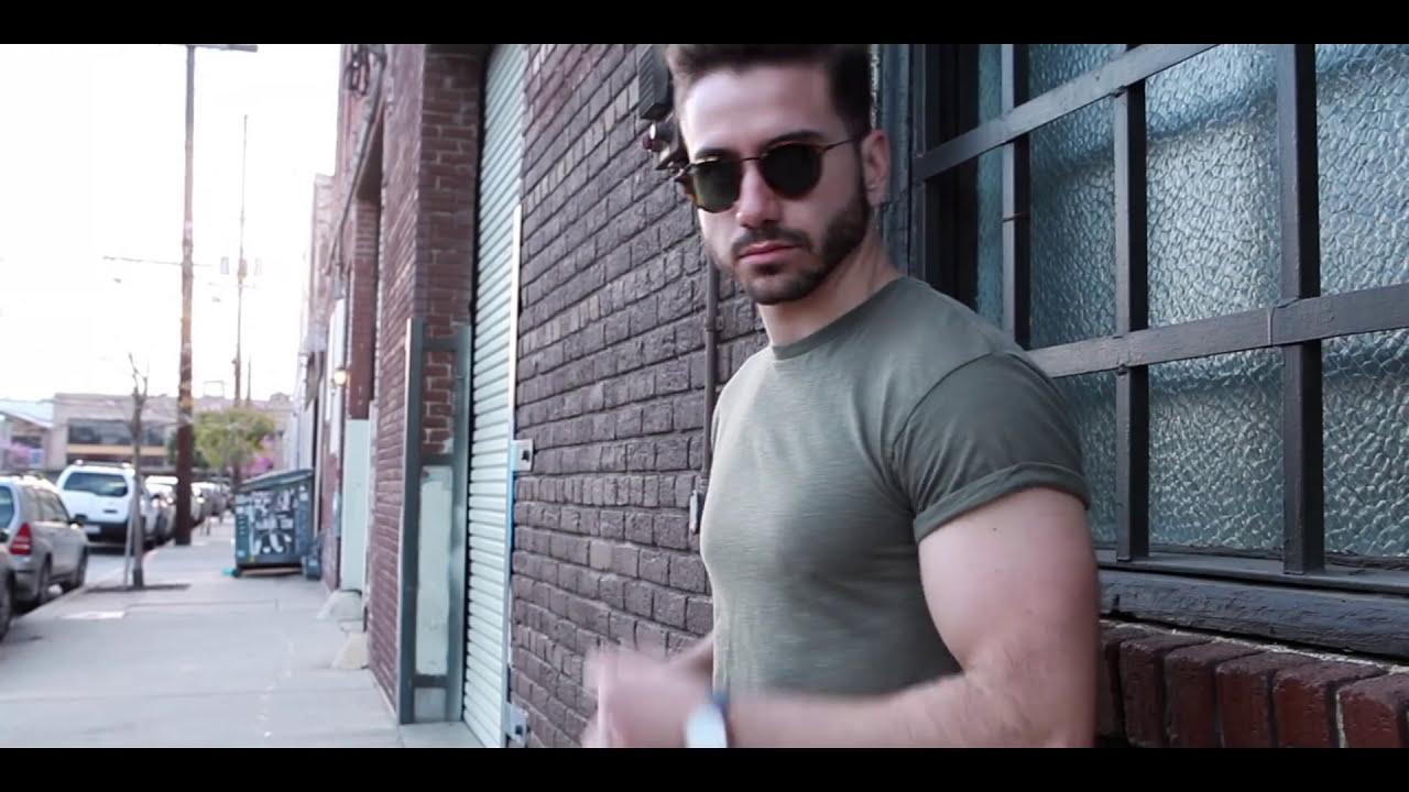 8d4b2e912 Кадр из видео 5 Things Men Wear That Women Love   What Girls Want Guys To