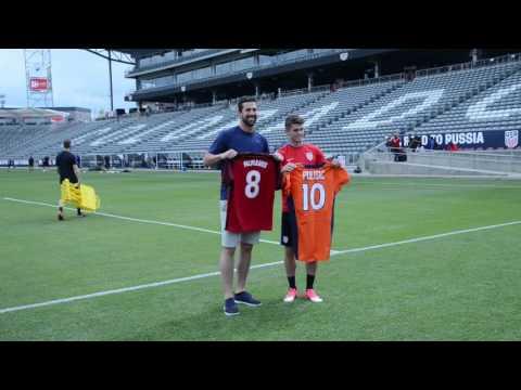 Broncos players meet U.S. men's soccer team ahead of World Cup qualifier