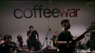 Video Akad - Payung Teduh (Live 2018) ft. Comi download MP3, 3GP, MP4, WEBM, AVI, FLV Maret 2018