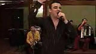 Liviu Guta canta pe 5 voci live Senzational www1 iaMuzica us