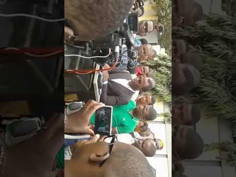 """Le Personnel du GROUPE SUD MEDIA """" LCF - CITY FM """" était en Conférence de presse 08 Février 2017"""