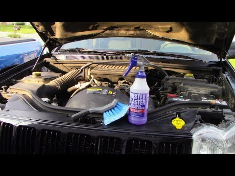 A Neglected $400 Jeep Grand Cherokee Engine Bay Cleaning and Dressing
