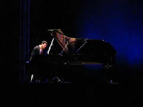 Ezio Bosso - Following a Bird -   live 23 luglio  (speciale 96 visuallizzazioni-could you be home)