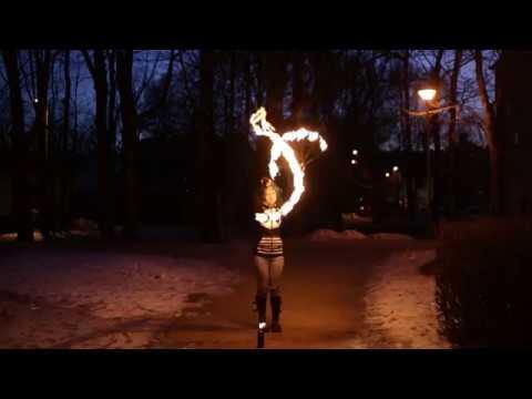 Tuleteater Zerkala: 'Day to Night'