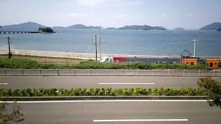 県道より低地を快走 JR四国 8000系 特急しおかぜ11号+いしづち11号 松山ゆき