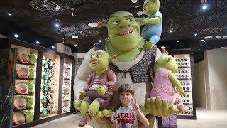Shrek Toys Theatre Ride