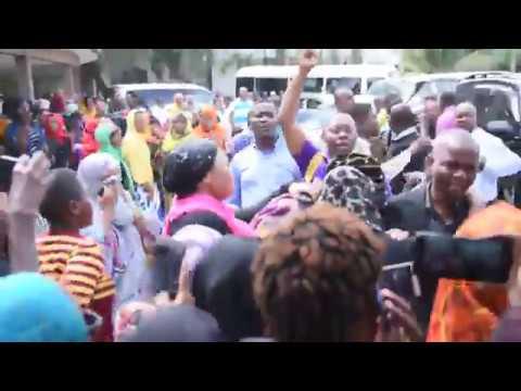 LIVE: Mwili wa Mzee Majuto ukitolewa Mochwari muda huu, Vilio vyatawala