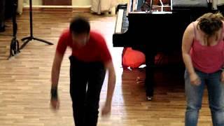 Урок физ-ры в помещении с низкими потолками