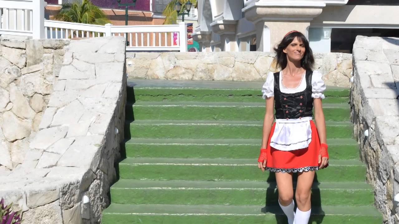 f50b28670 Maria Droni: Oktoberfest - Outfit - DIRNDL