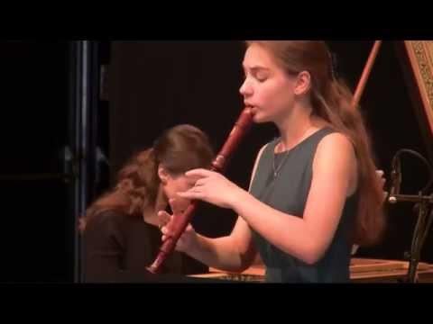 Lucie Horsch, recorder   Händel sonata HWV 367   Vivaldi RV 522   24classics.com