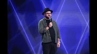 Alex Șerban a avut un număr de stand-up comedy de senzație pe scena iUmor! Tema? Izmenele