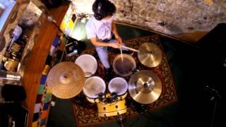 Mattia Galeotti - drummer esegue tatanka