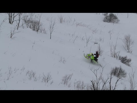 Freeride 800 Boondocking With Jaws Can In Wicked Powder