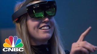Microsoft Wants Virtual Reality Headsets To Run Windows | Tech Bet | CNBC