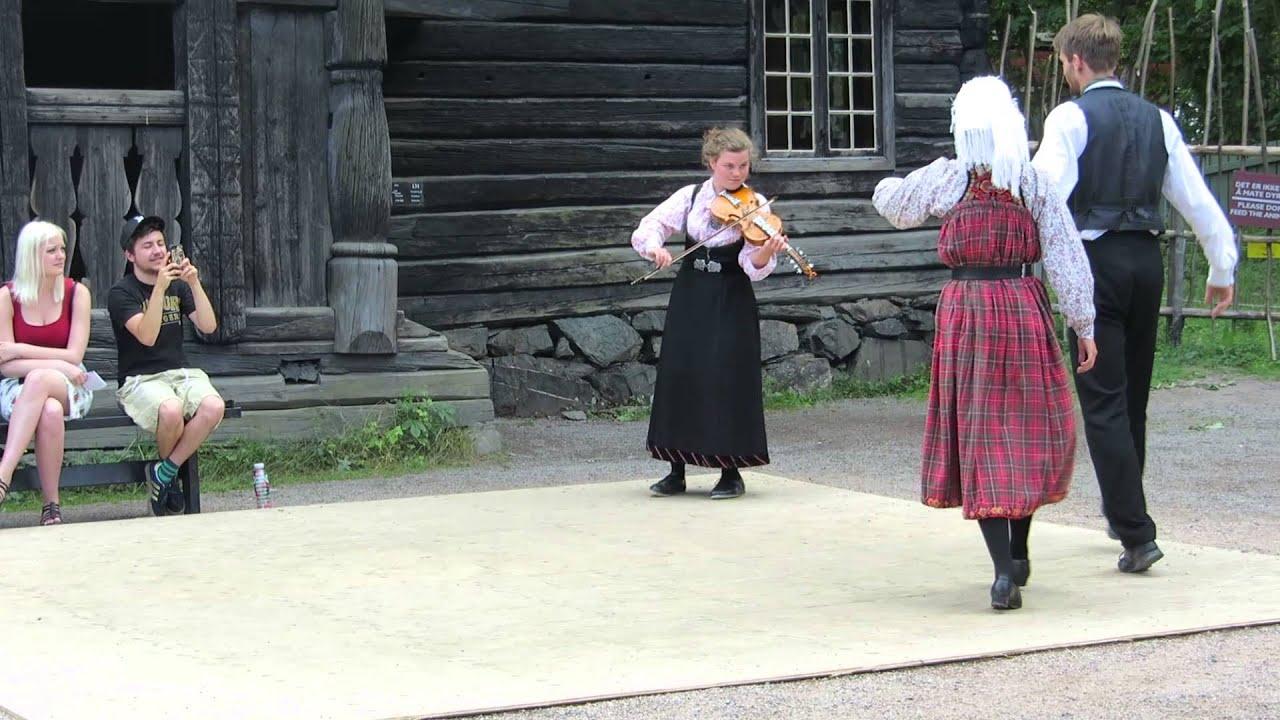 Длинный танец норвегия фото